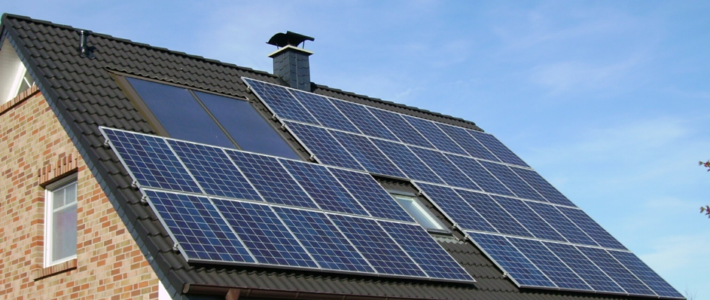 Zonnepanelen versus zonnedakpannen