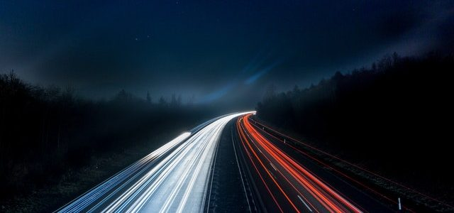De voor en nadelen van elektrisch rijden